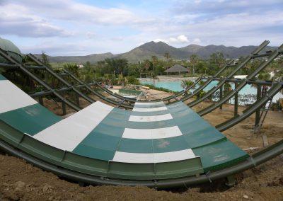 Structure métallique pour un parc aquatique